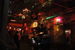 awesome ruin pubs in budapest